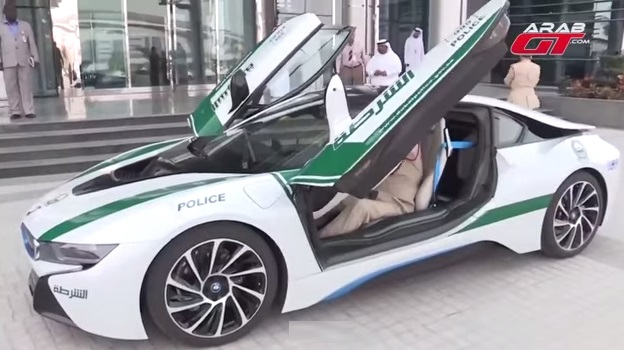 Damn Police In Dubai Driving Bmw I8 Top Speeds Of 249 Km H