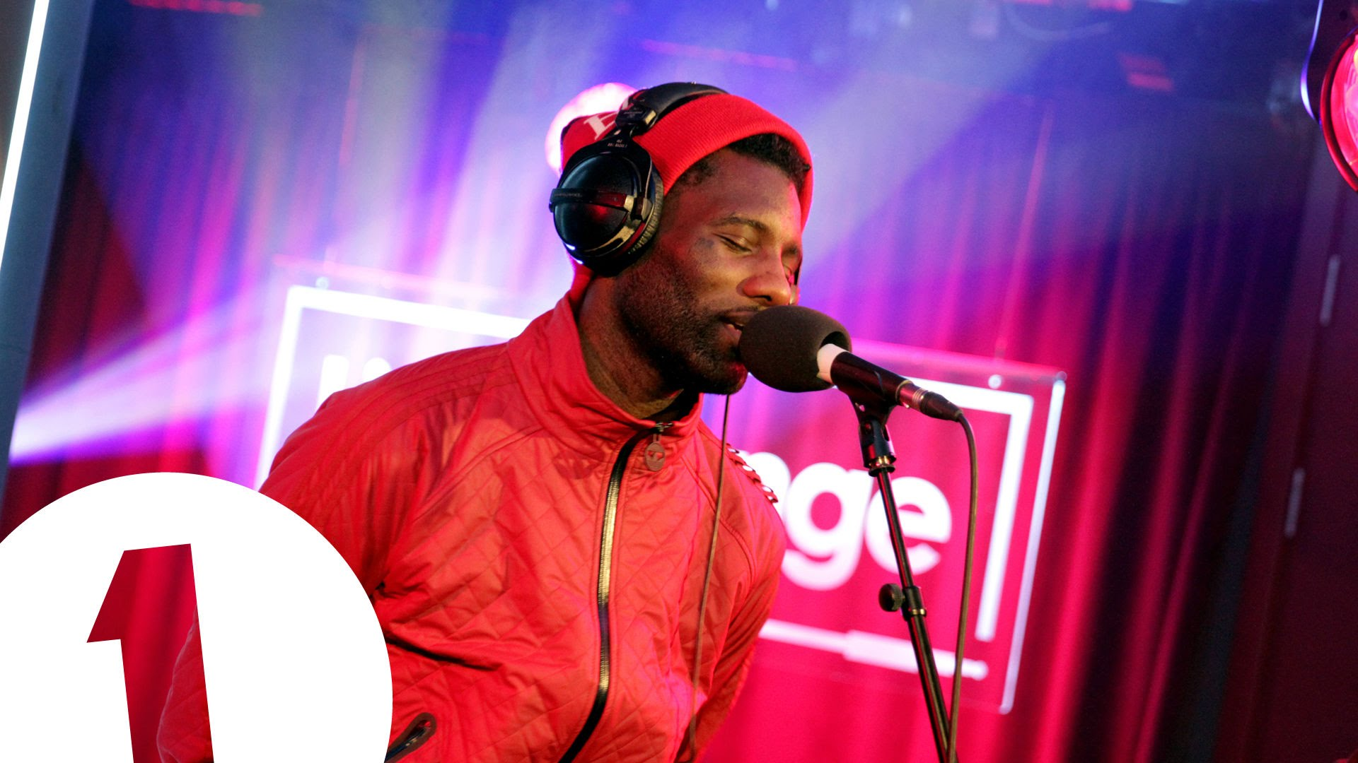 Wretch 32 covers Ed Sheeran's Thinking Out Loud in the Live